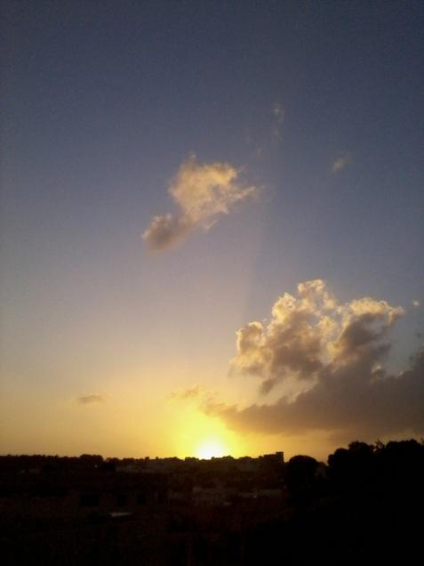 apune soarele în inima mea