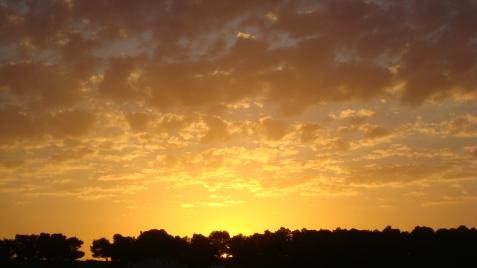 Nu mai privim apusul de soare impreună pentru că ...el s-a mutat acolo...la cer...